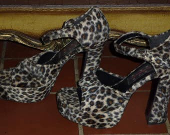 "Vintage 90s 1990s Platform Shoe Its Martini Time Faux Fur Leopard Chunky 5"" Heel Strappy Open Toe  8"