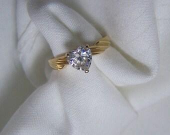 Lovely 14K Gold Heart Shaped CZ Vintage Ring Sz 7