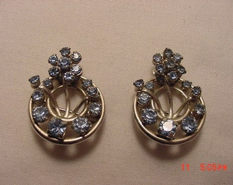 2 Vintage Blue Rhinestone Flower Scatter Or Duet Pins Or Brooches  17 - 131