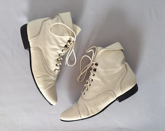 chalk white lace up leather boots | foldover supple victorian ankle boots | 8.5