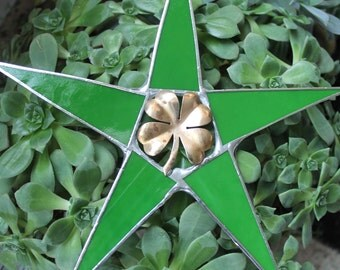 "Lucky Clover Star- 10"" Vintage brass 4 leaf clover with Irish green art glass points"