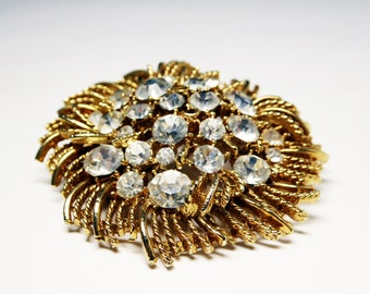 Lisner Rhinestone Round Brooch - Shaggy Gold Tone Abstract Pin Embellished with Clear Rhinestones - 1950s 1960s Mid Century Vintage Jewelry