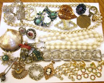 Vintage Jewelry Lot Wearable Repairable Craft Destash Jewelry Rhinestone Earrings Clip Brooches Necklaces
