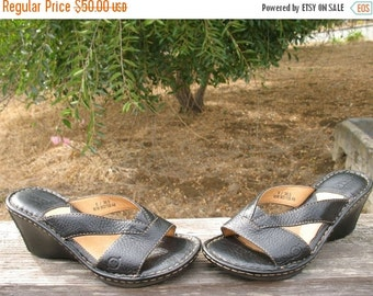 GORGEOUS BORN Black Pebble Leather  Slip on Wedge Sandals Size 6 Hardly Worn MINT
