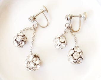 Dangle earrings, rhinestone earrings, rhinestone drop earrings, vtg rhinestones, vtg dangle earrings, vtg earrings, disco earrings