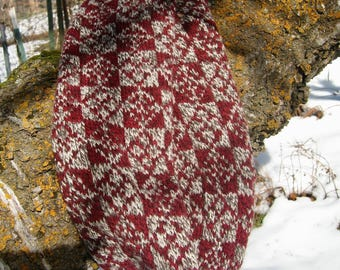 Merino Cowl in Red and Natural