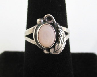 925 Sterling Silver & Pink Pearl Ring - Vintage Size 6 1/2 - Southwest / Native American