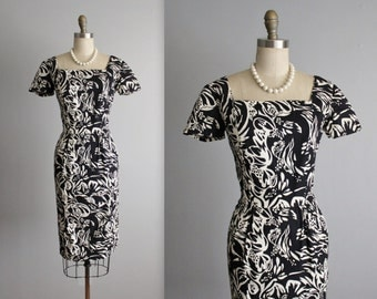 50's Dress // Vintage 1950's Fitted Black White Abstract Print Cotton Cocktail Party Dress S