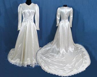 Satin Wedding dress - Beaded neckline, Lace Edging - full train - 1940s