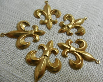 Brass Fleur De Lis Charm