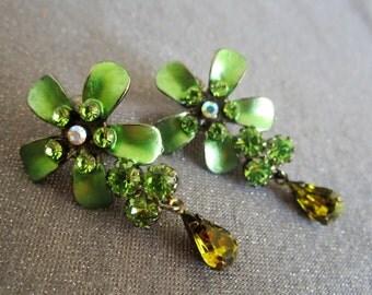 rhinestone earrings, green earrings, dangle earrings, statement jewelry, flower earrings, prom jewelry, prom earrings, green rhinestone clip