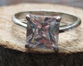 Beautiful Engagement Style Women's Ring with Square Cut Cubic Zirconium Stone Sterling Silver Size 8 1/2 Ladies