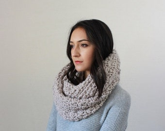 End of season SALE Chunky Infinity Scarf. Knit Textured Chunky Cowl  // The Bourdon - LINEN