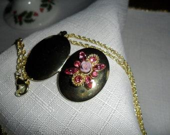 Vintage Goldtone Locket with Pink Rhinestones