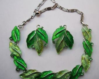 Lisner necklace and earring set spring green