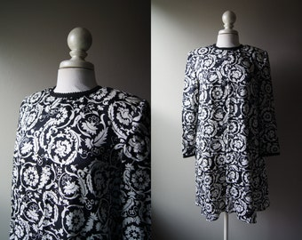 Vintage 100% Silk MAGGY LONDON Petite Dress Silk Dress Paisley Dress Size 8 Dress Black and White Dress Medium Mod Dress Long Sleeve Petite