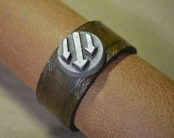 Iron Front/Antifa Arrows Bracelet with Knotwork Border