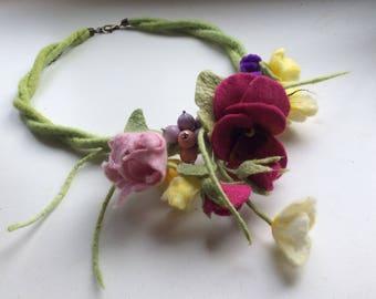Romantic handmade flowers necklace - flowers necklace - felt necklace- floral accessories - handmade - wool necklace - OOAK necklace