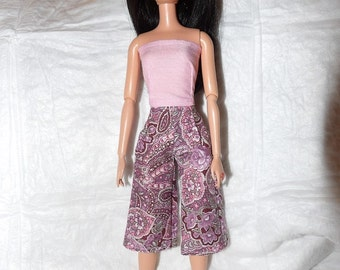 Stylish pink paisley & floral capri pants and solid pink top for Fashion Dolls -  ed935