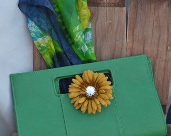 Green Clutch Purse Vintage              Green is the new Black       New Color 2017