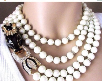 ON SALE CINER Statement Runway Necklace Creamy White Glass Pearl & Enamel Horse Moghul Necklace, Ciner Necklace, Hand Knoted