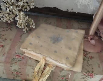 Vintage Shabby Chic Satin & Organdy Embroidered Hanky Delicates Linen Holder Pale Yellow Blue Q122