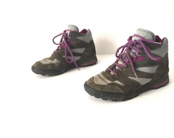 HIKING boots vintage WOMEN'S leather suede SIZE 7 brown leather lace up active wear boots
