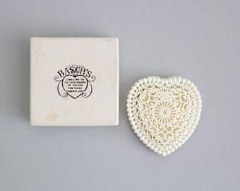 Vintage Engagement Ring Box . celluloid ring box . heart shaped ring box . vintage wedding decor . vintage ring box . plastic ring box lace.