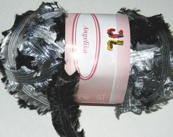 4 sk Fringe Ribbon Angelika Yarn Black white