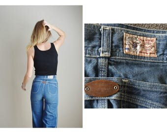 vintage 70s levi's high waisted bell bottom wide legged flare jeans denim -- womens 24x33
