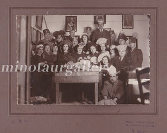 Interesting 1930s group photo Carnival themed / Little Persons / Dwarf / Midget