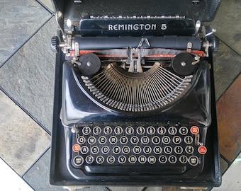 Vintage Remington 5 Typewriter / Display Piece / Remington Typewriter / Wedding Decor / Wedding Guest Book