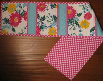 Colorful Daisy reversible Table Runner