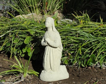 VINTAGE KNEELING MARY Solid Stone Sanctuary Statue Cement Concrete Garden Catholic Memorial Old World Blessed Mother Madonna Figurine (C)