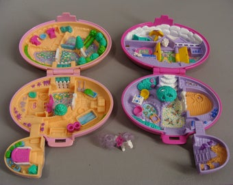 2 1995 Polly Pocket Compacts. PALOMINo PONy and SHETLAND PONY STABLe. 1 Horse. Not Complete. Pony Collection. 2 Pink Oval Horse Compacts.