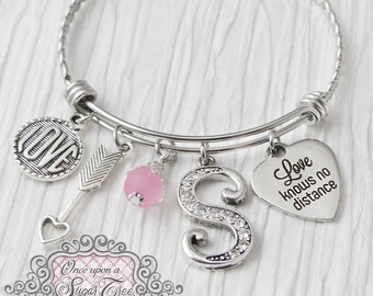 Long Distance Relationship, Friendship, Love Knows no Distance, Friend Moving Away Gift,Personalized Bangle- Friendship Bracelet, Girlfriend