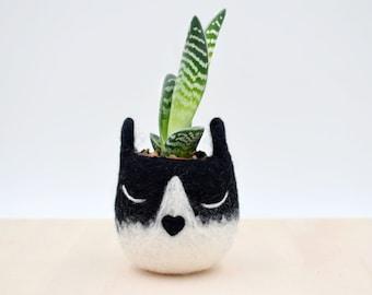Succulent planter / Tuxedo cat mini planter /  Cat head planter / indoor planter / Small succulent pot / cat lover gift / gift for her