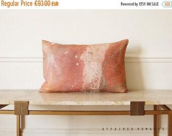 """SALE Pink throw pillow Milky Way / Linen oblong art pillowcase Galaxy 14""""x 22""""... / FRAGMENTS"""