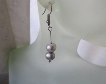 Silver Grey Freshwater Pearl Dangles ./. Grey Pearl Earrings ./. Shimmering Silver and Grey Pearl Earrings ./. Made in Sweden ./. For a Lady