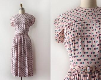 vintage 1940s novelty dress // 40s pink dress with belt
