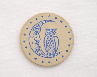 Antique c.1920's Crescent Moon and Owl Poker Chip - Engraved Clay Chip - White and Blue