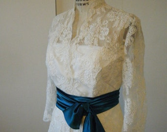 SUPER SAMPLE SALE, Ivory corded lace bolero, size 12/14, 3/4 sleeves with scallop lace edge details