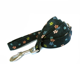 Tiny Flowers in Charcoal Dog Leash
