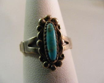 Vintage Southwest Bell Trading Company Turquoise Ring in Sterling Silver.....  Lot 5235
