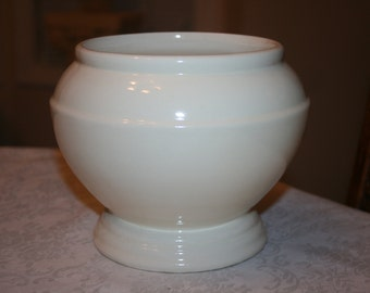 Vintage Roseville USA Pottery Indoor Planter Cream Ivory Ohio