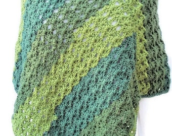 Springtime Poncho, Greenery Poncho, Boho Chic, Gift for Her, Crochet Poncho, Women Poncho, Pantone Greenery, Stylish Poncho, Women Accessory