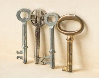 Vintage keys grey set 4, closet keys brown gray rust coloration, old keys wall decor, shabby keys metal stainless steel home decor