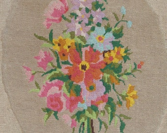 Vintage French needlepoint tapestry embroidery - Tiny petit point oval - Country flowers