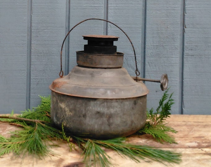 Vintage Kerosene Lamp - Primitive Metal Lamp