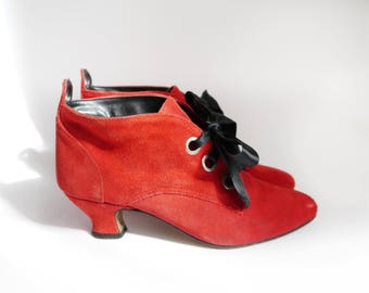 Vintage 80s ankle booties Red suede pumps with black satin ribbons heels 80s 90s women's fashion Lace up mid heels